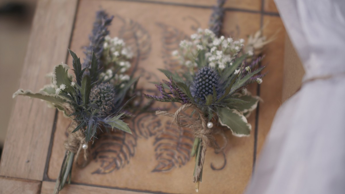 How To Make Wedding Buttonholes: Flowers From A September Wedding