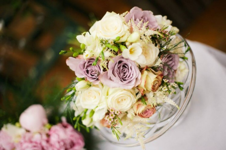 cream and lilac rose brides bouquet