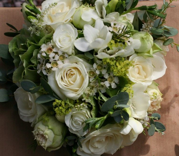 white and green brides bouquet