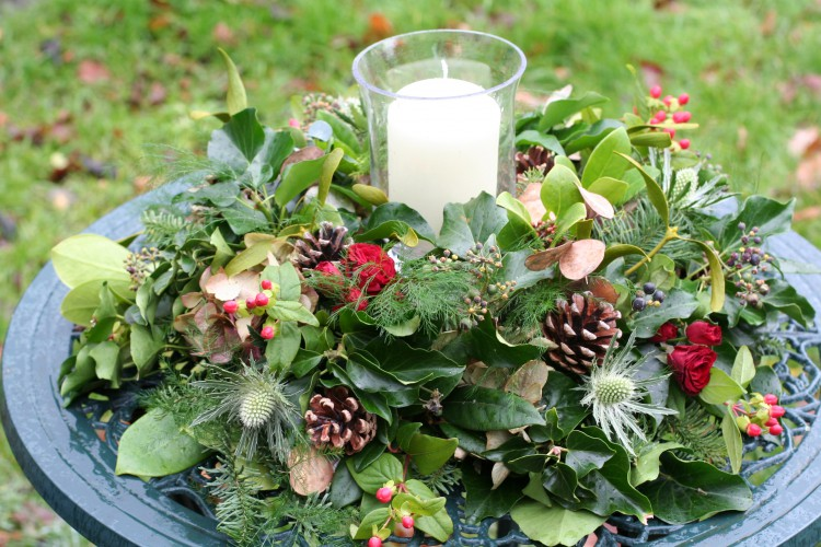rustic winter table arrangement