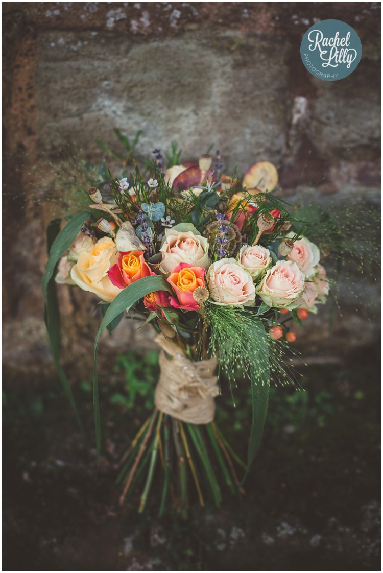 rustic autumn brides bouquet
