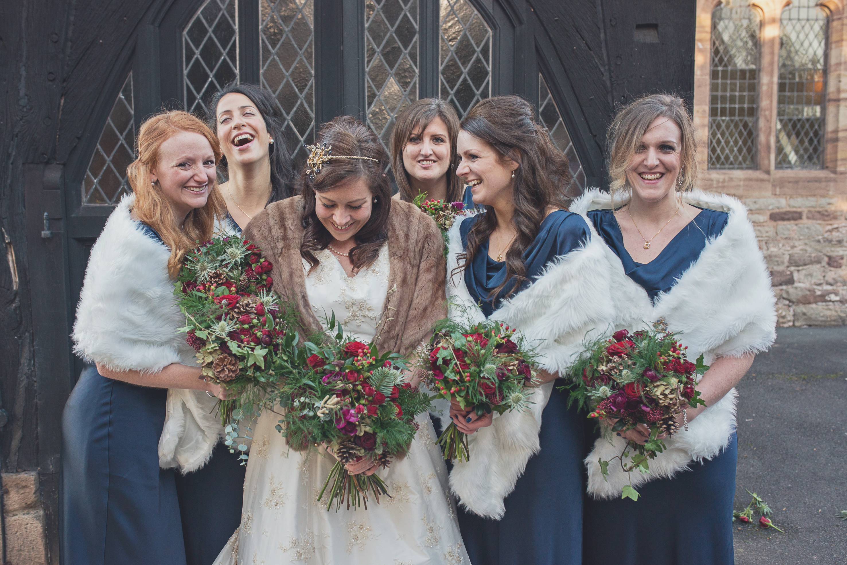 Christmas Wedding Bouquets Uk.A Rustic Christmas Wedding Alice And Simon At Lyde Court