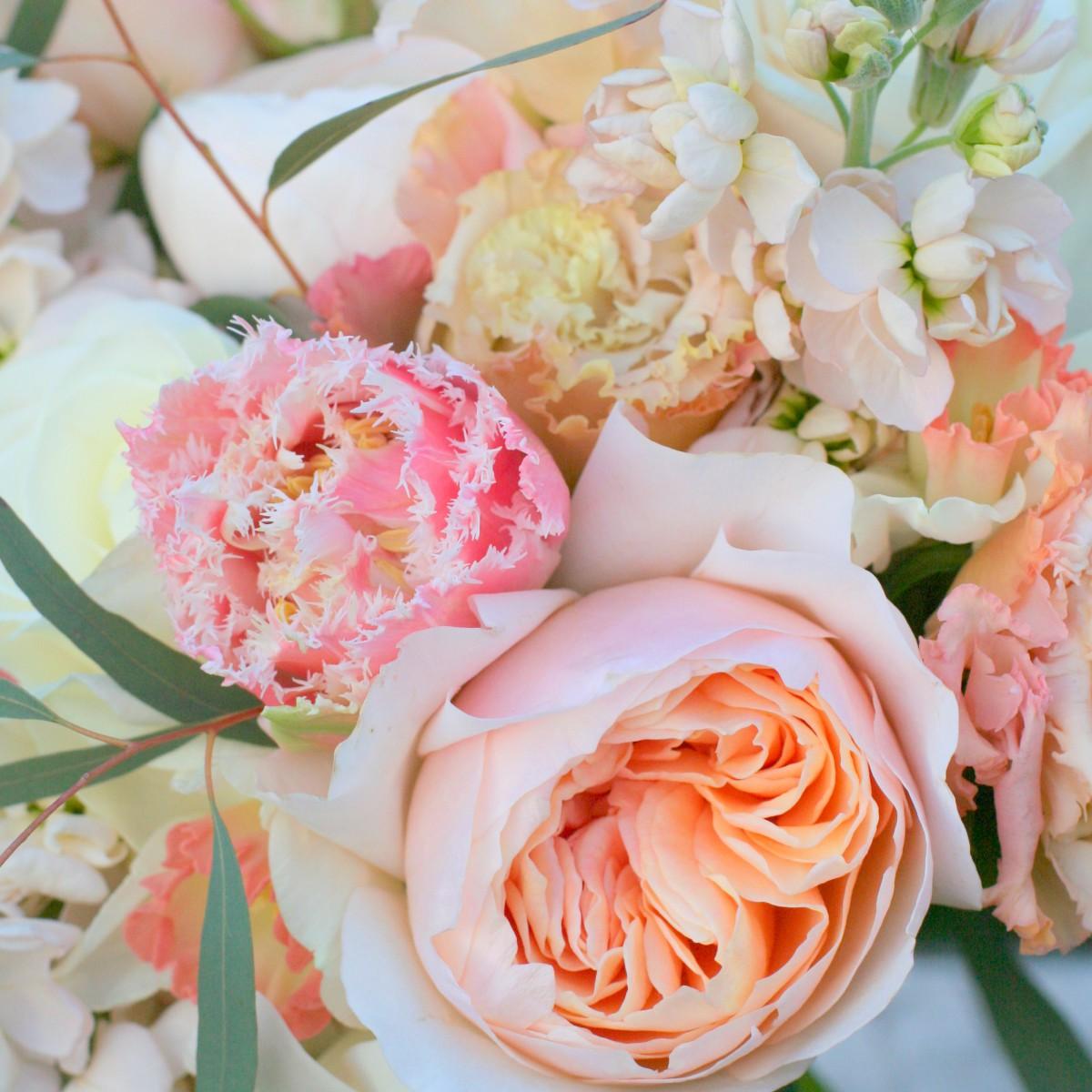 Soft spring flowers for Becca and Nick\'s Cheltenham wedding  