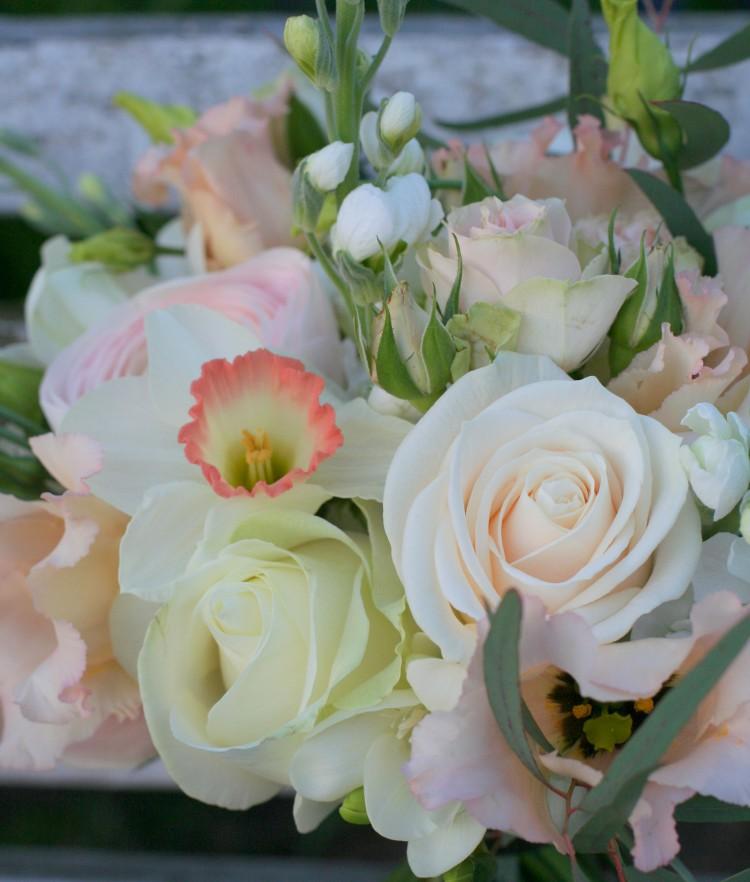 Wedding Flowers In Cheltenham : Soft spring flowers for becca and nick s cheltenham wedding