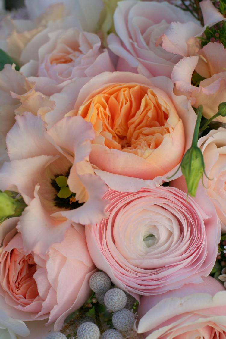 peach, pink and cream bridal bouquet detail