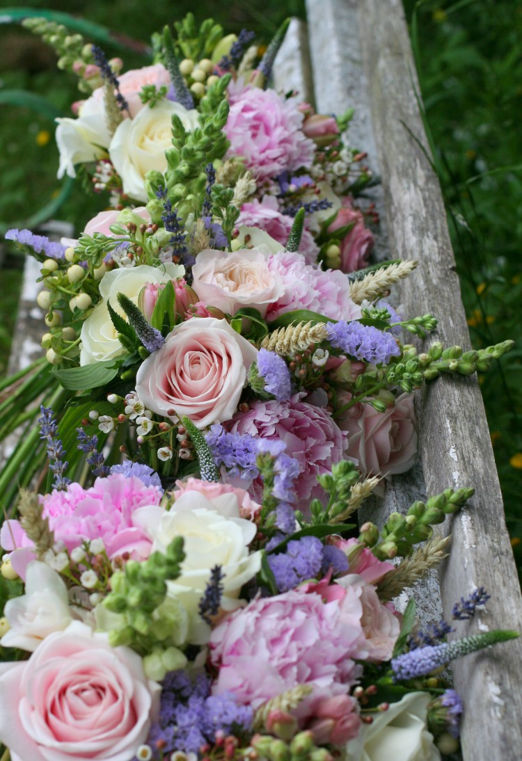 summer country wedding bouquets