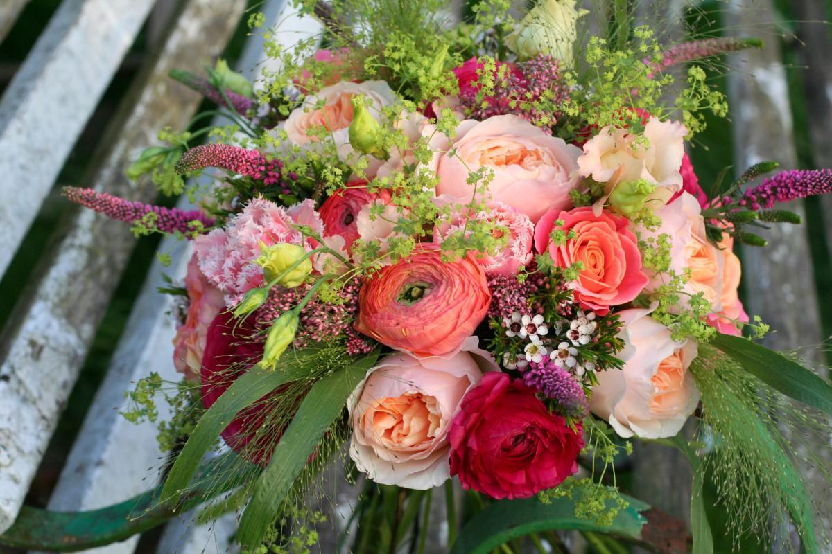 bright coral bridal bouquet