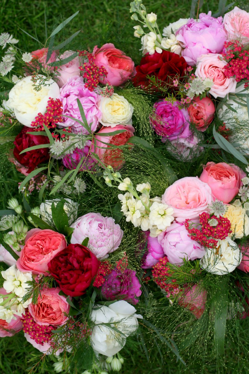bright wedding bouquets
