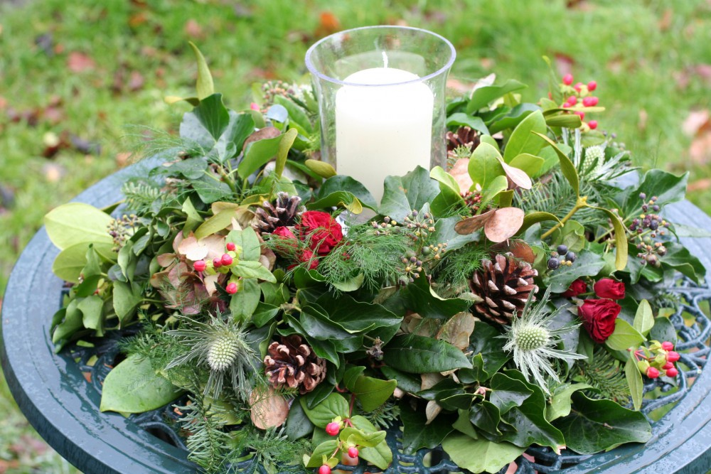rustic Christmas tablecentre