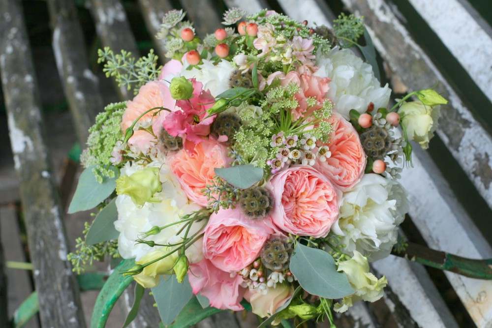 peach and cream brides bouquet with David Austin Roses
