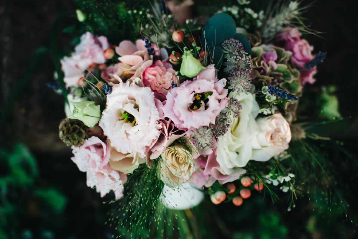 rustic peach brides bouquet