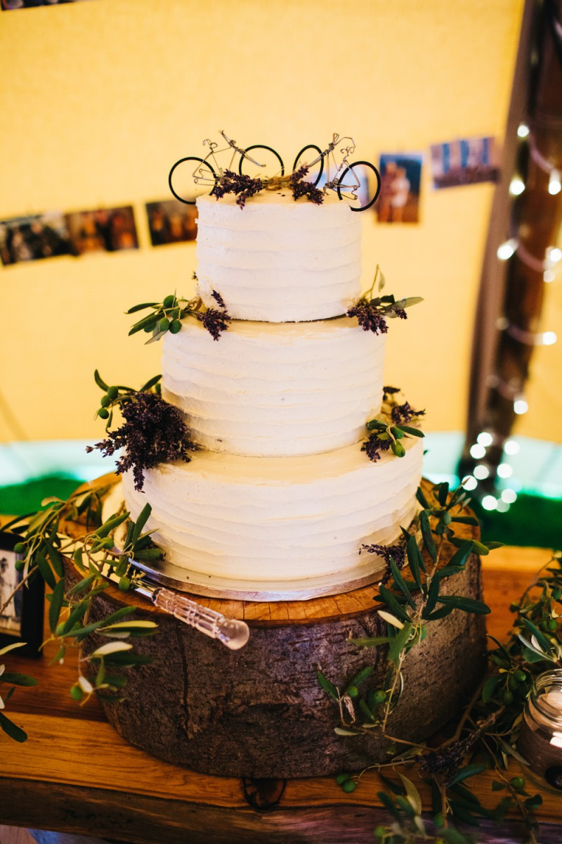 lavender and olive wedding cake flowers
