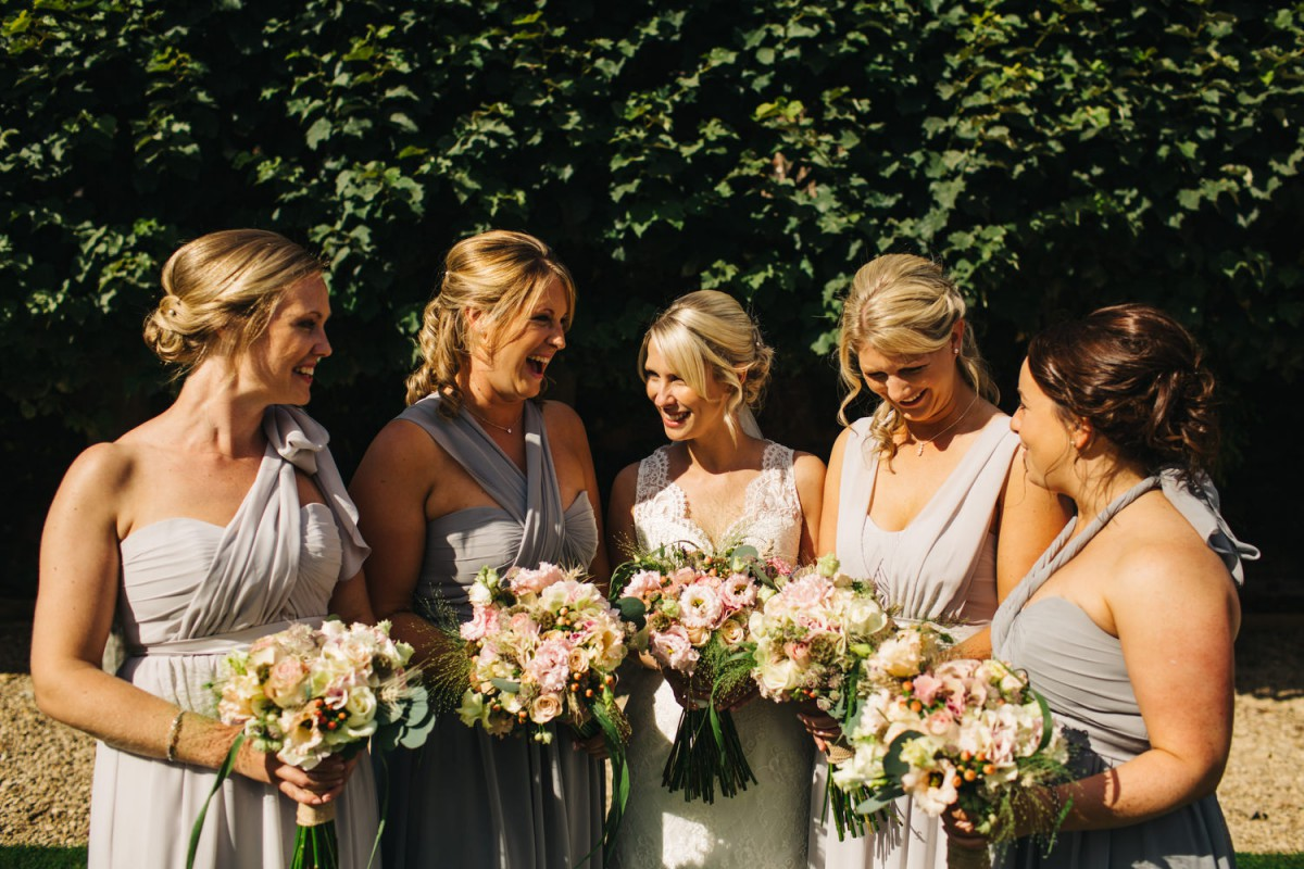 peach bride and bridesmaids bouquets