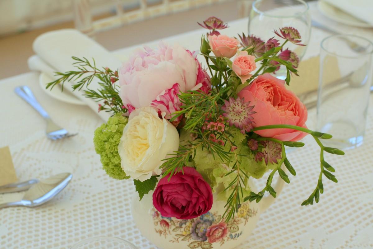 teapot of garden roses