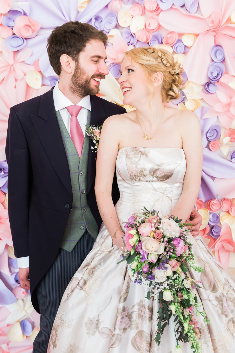 a pastel country wedding in the Cotswolds