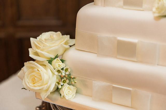 ivory rose wedding cake flowers