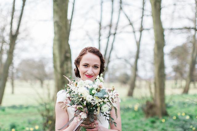 winter wedding brides bouquet