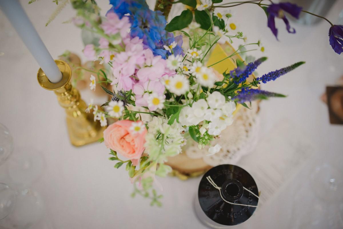boho wedding table flowers