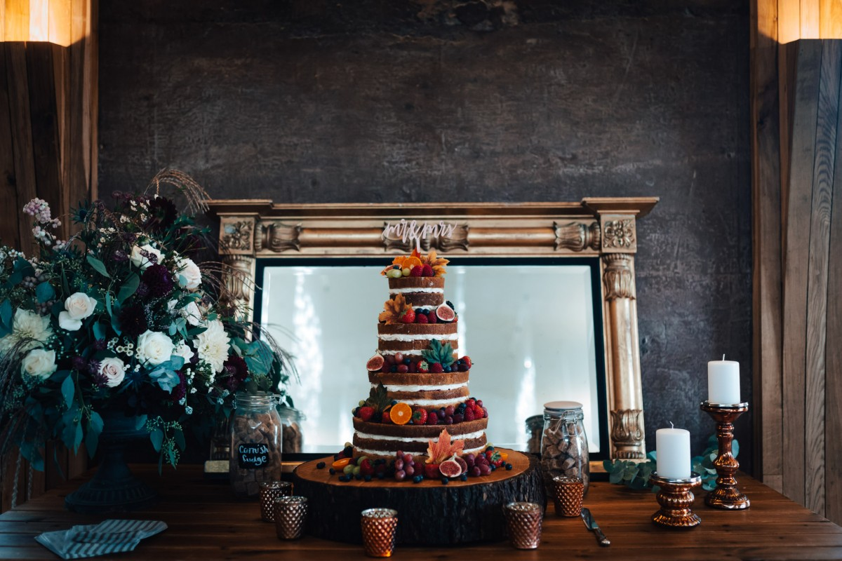 wedding cake Elmore Court