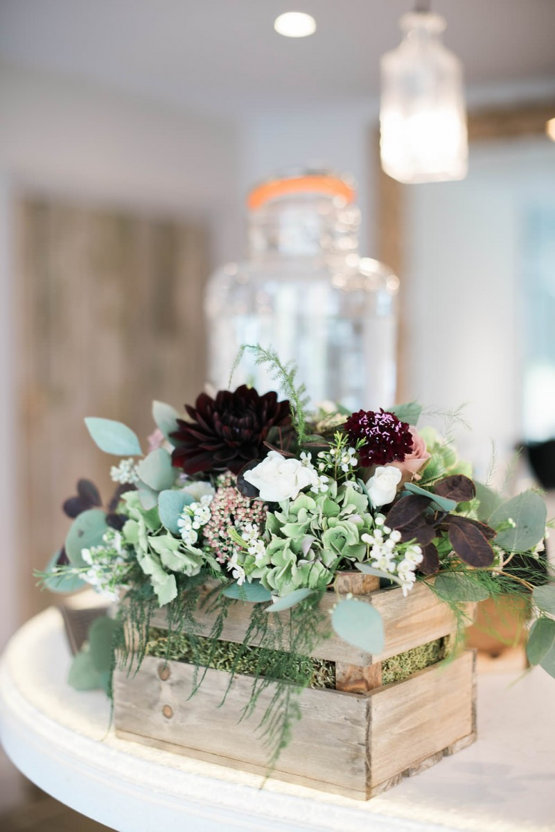 rustic crate styling wedding decor