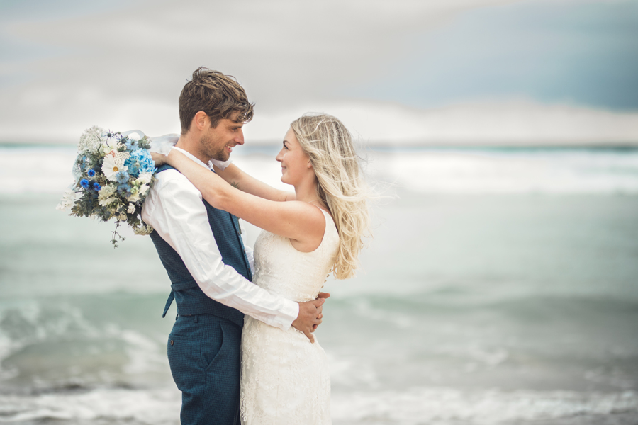 beach wedding in Cornwall with Jenny Fleur florist