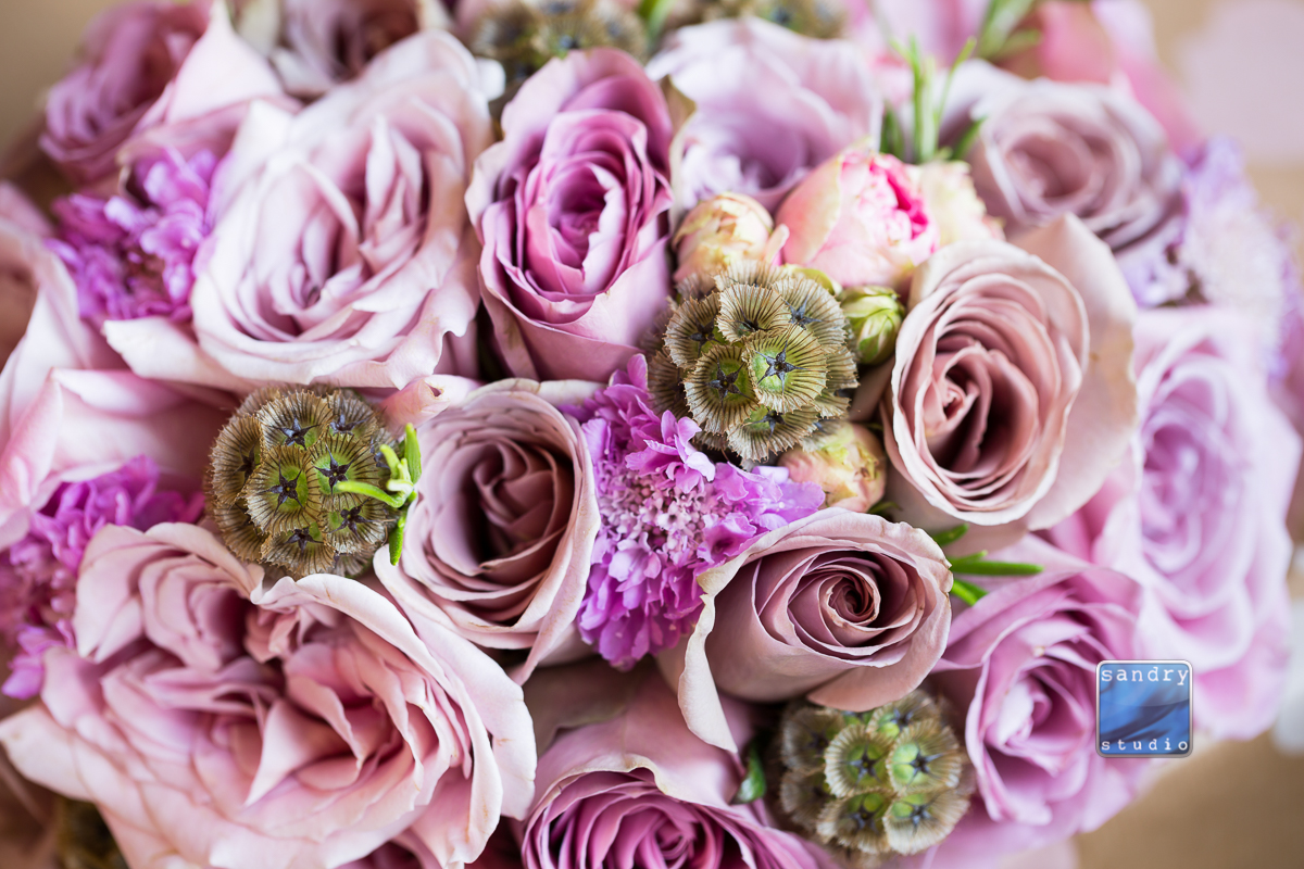 dusky pink bridal bouquet with Memory land and Amnesia roses. Photo by Sandry Studio