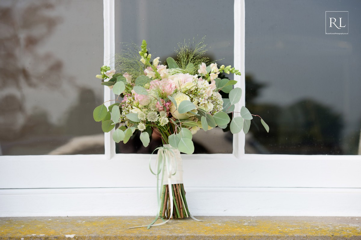 pastel brides bouquet at Homme House