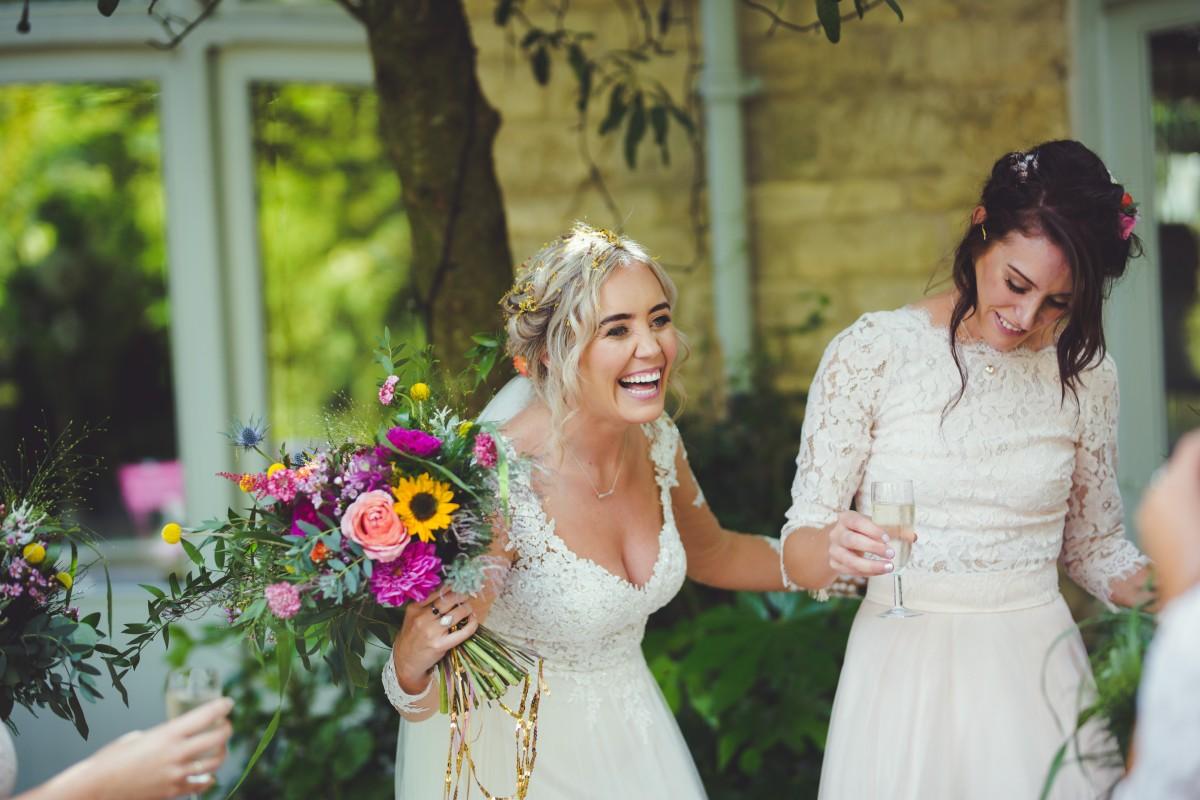 bride bouquet sunflowers roses
